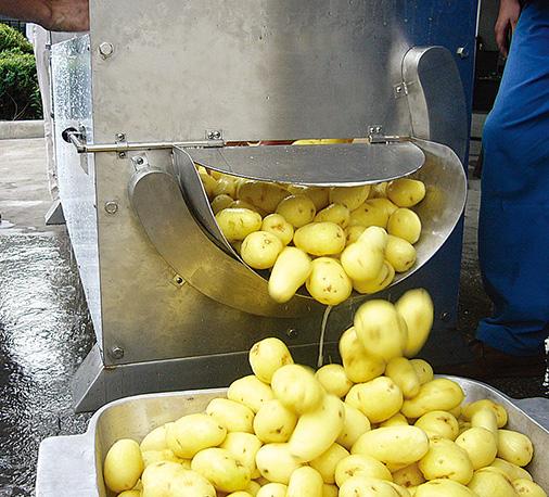 翔鹰自动洗菜机整个操作过程安全且轻松,方便高效