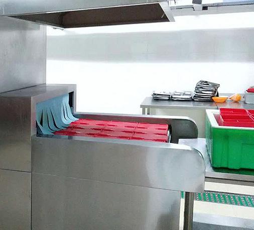 南京大学食堂中央厨房自动洗碗机